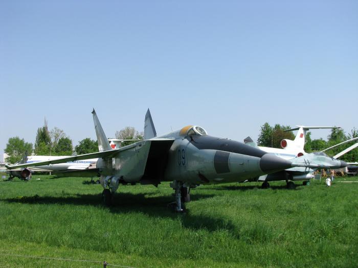 МіГ-25