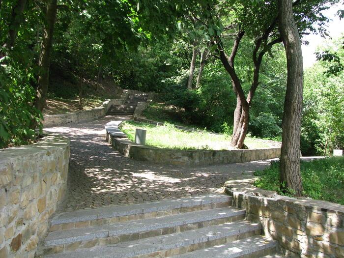 Чигирин Богданова гора паркові доріжки