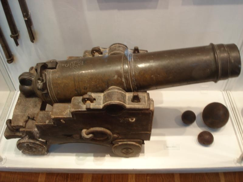 Корсунь музей козацька гармата