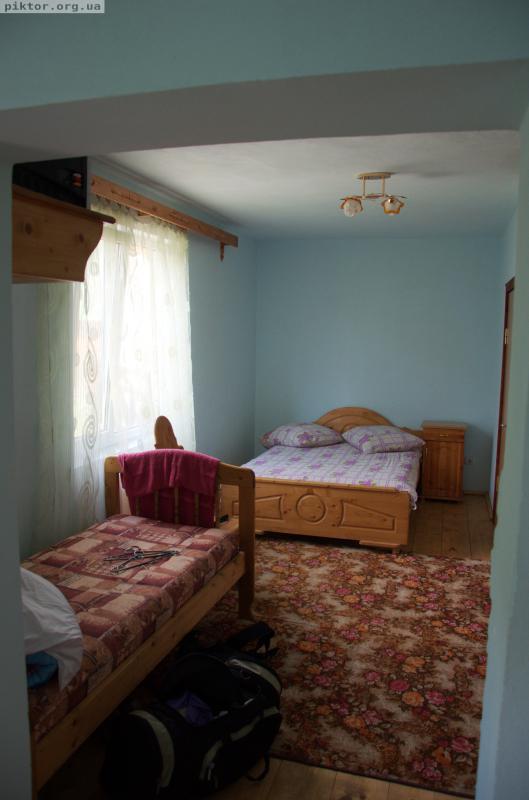 Велика кімната у Богдана