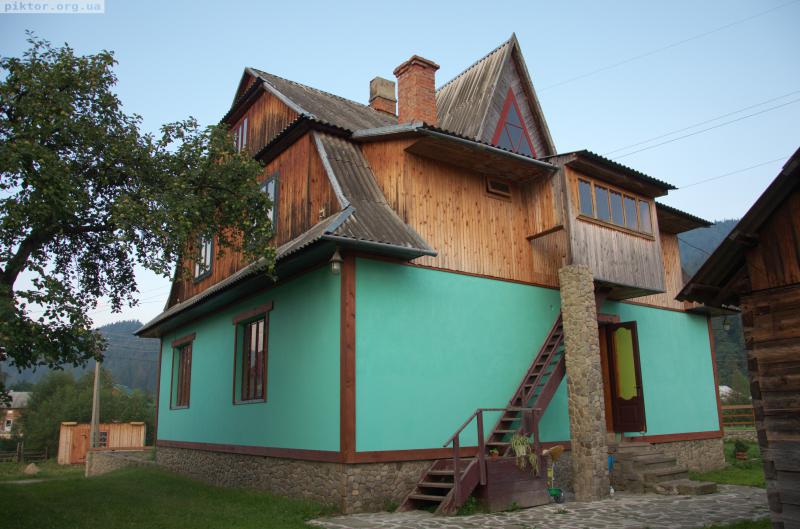 Будинок у Богдана