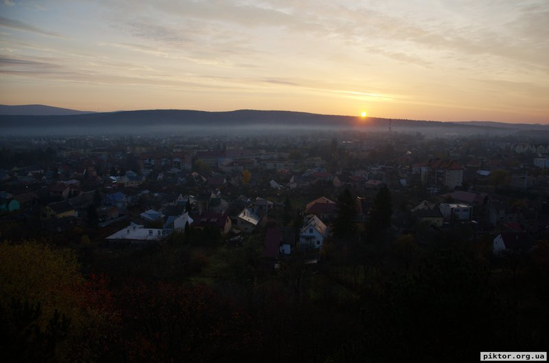 Схід Сонця над Карпатами