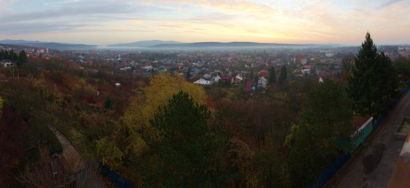 Світанок в Ужгороді, панорама