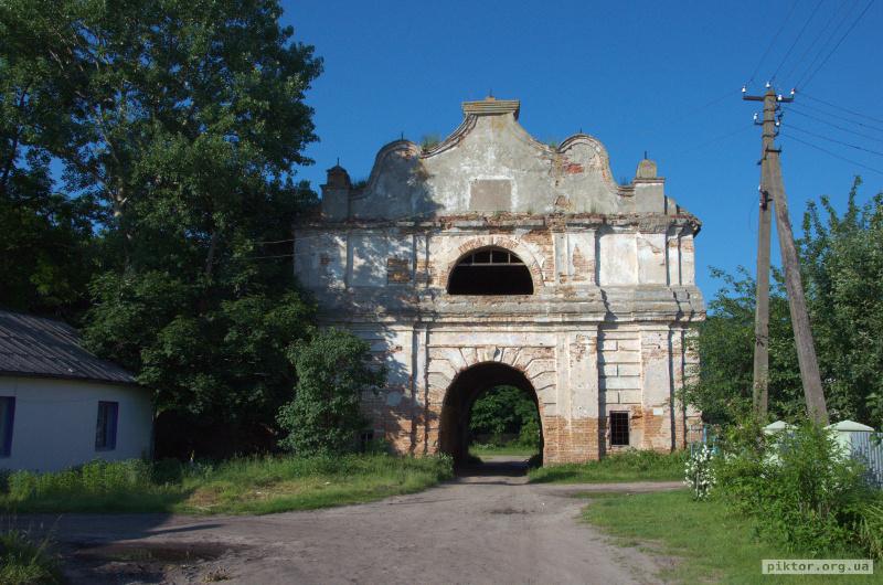 Ворота в Любешові