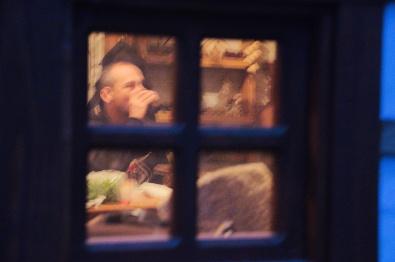 П'янка за вікном