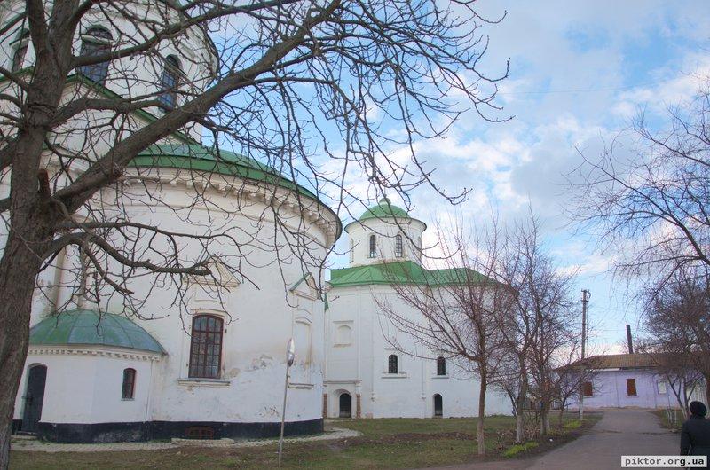 Михайлівська грецька церква ззаду
