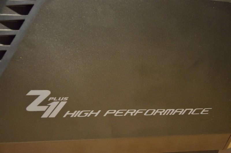 Логотип на корпусі