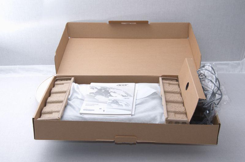 Коробка із ноутбуком