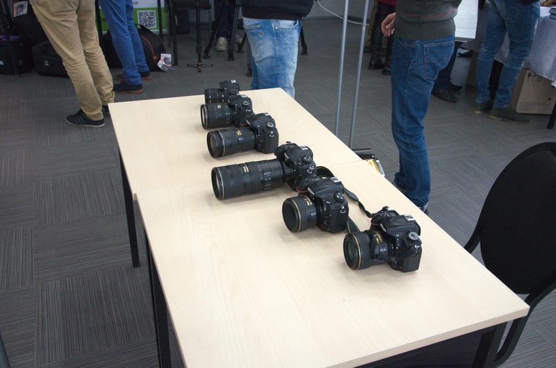 Скромний Nikon