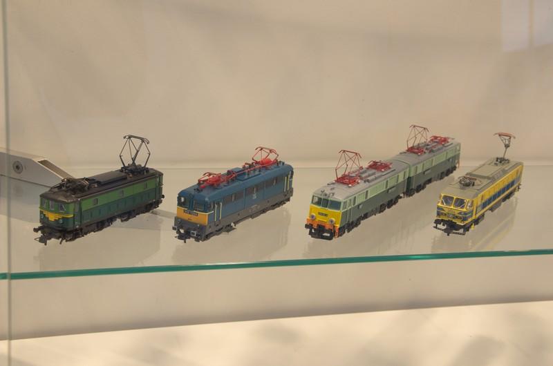 Різні локомотиви