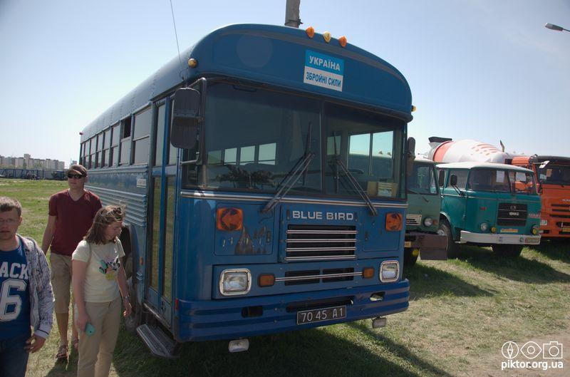 Американський автобус